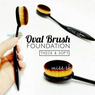 OVAL FOUNDATION FACE BRUSH (Makeup Brush)