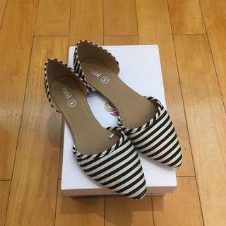黑白間夏日鞋