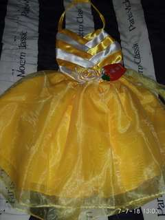 Yellow gown brand new !! .