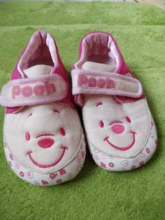 幼兒鞋子粉紅維尼,二手