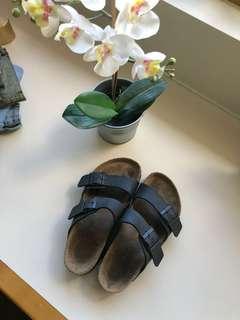 Women's Arizona black Birkenstocks size 36