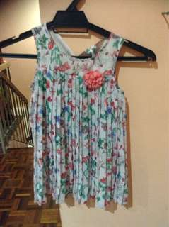 H&m pleated floral dress