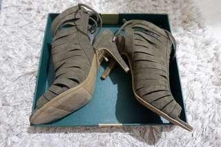 Sepatu heels payless