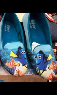 Sepatu anak dorry