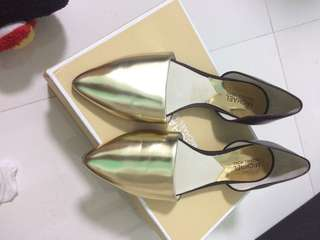 Authentic Michael Kors pointed flats gold
