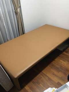 Single bed frame without headboard