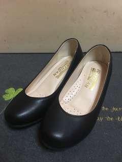 全新韓國黑色內增高鞋 Korea Black Flats