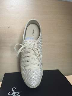 Weaved Texture Sneakers
