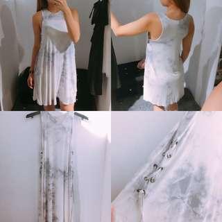 🚚 AE女生 鏤空綁帶造型洋裝