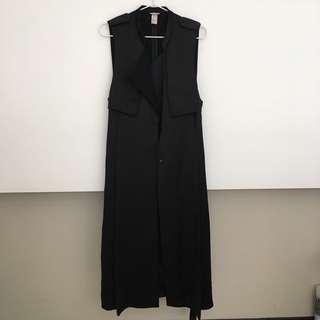 H&M 時尚無袖長版緞面風衣