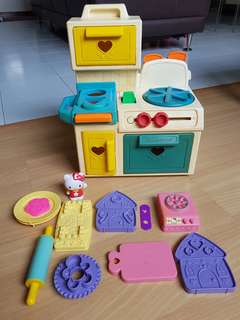 Fisher Price cooking stove with free playdoh utentsils