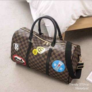 WOMEN'S LOUiS VUiTTON TRAVEL BAG