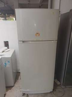 Used general electric 2 door fridge refrigerator peti sejuk peti ais in good condition available for sale