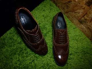 G.H Bass & Co Leather Lace Shoe
