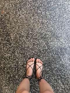 🚚 渡假綁帶鞋