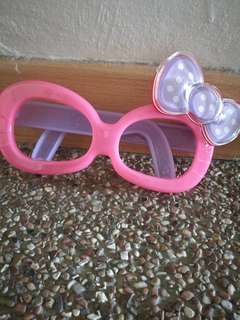 Hello kittty glasses, 2 pairs of RM10 only
