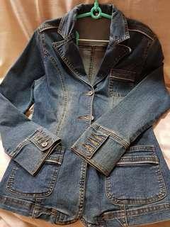 (9成新) V領修身藍色牛仔外套