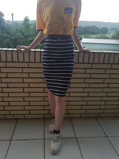 🚚 黑白條紋鬆緊窄裙