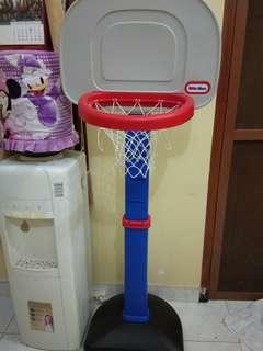 Little tickes easyscore basketball