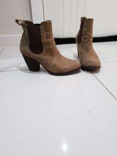 Lipstik ankle boots size 7