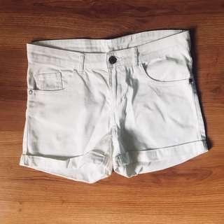 H&M Midwaist White Shorts