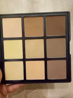 Preloved Morphe 9c Highlight/Contour Palette