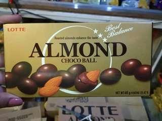 ALMOND CHOCOBALLS