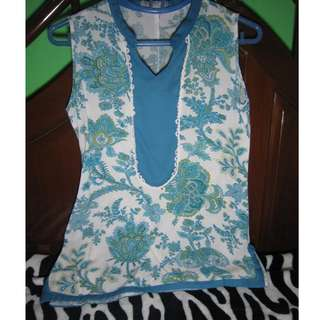 Taylor and Company Blue Floral Top