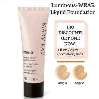 TimeWise® Luminous-Wear® Liquid Foundation