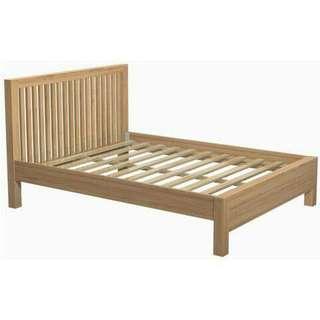 Tempat tidur minimalist