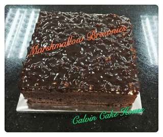 Marshmallow Brownies 1kg , Salted Cheese 1kg , Ground Carrot Cake 1kg
