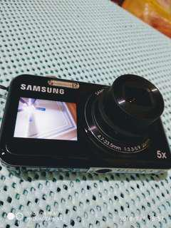 🚚 近全新 Samsung 雙螢幕微笑快門 超輕薄數位相機