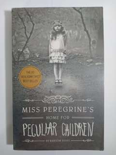 SIGNED Miss Peregrine's Home for Peculiar Children - Ransom Riggs