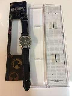 清貨📣絕版Snoopy 黑色真皮帶手錶 (不議價)