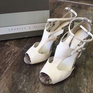 High heels snake skin white grey