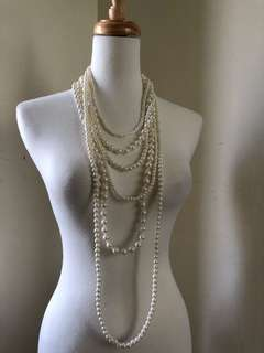 🚚 Strings of pearl necklace