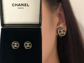 **Sold 已售**💯真品 Auth Chanel CC logo vintage Earrings 經典復古CC logo黑色耳環