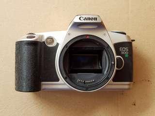 Vintage Canon EOS 500 N [A014]