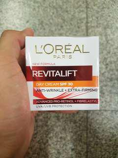 Loreal paris new formula Revitalalift day cream spf 30