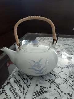 🚚 Japanese tea pot