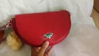 Tas (sling bag) Crossbody bag Miniso (Merah)