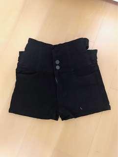 🚚 高腰短褲✨全新