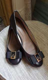 Black court shoes - Itti Otto