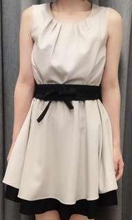 B區:OL 米黑色無袖洋裝(含腰帶)