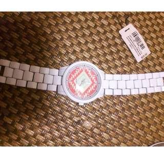 美國 aero 白色時尚復古圖騰錶  900含運