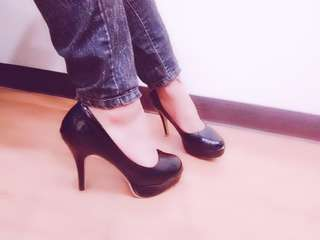🚚 Kawai二手黑色高跟鞋38碼