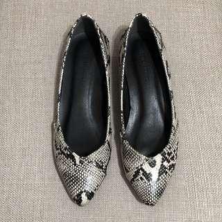 🚚 Moussy 平底鞋 娃娃鞋