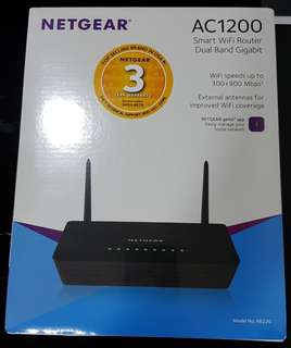 NETGEAR ROUTER AC1200 *BRAND NEW*