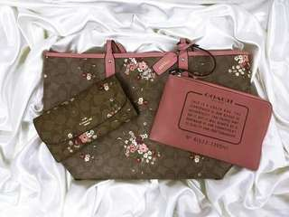 AUTHENTIC COACH TOTEBAG WITH WALLET AND POUCH