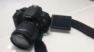 Canon 700D+kit lens+camera bag+charger+battery